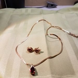 Garnet gemstone set